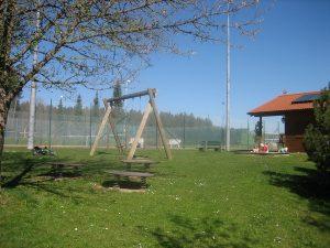 Spielplatz am Sportplatz und Tennisplatz