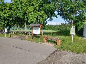 Startplatz für Wanderungen in Musbach am Sportplatz