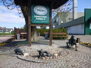Vesperplatz am Sauwasen-Brunnen der Firma Wein