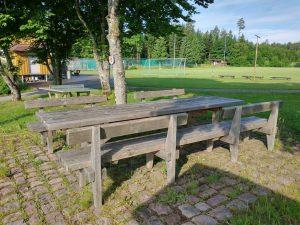 Vesperplatz für Wanderer am Sportplatz